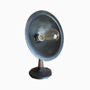 Lámpara de mesa francesa industrial de hierro fundido, años 50