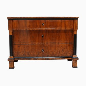 German Biedermeier Walnut Commode, 1820s