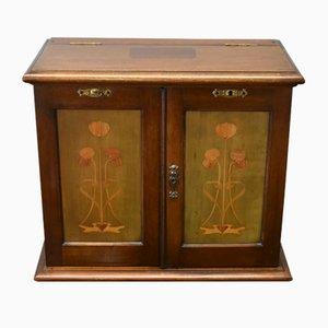 Mueble para fumadores modernista antiguo