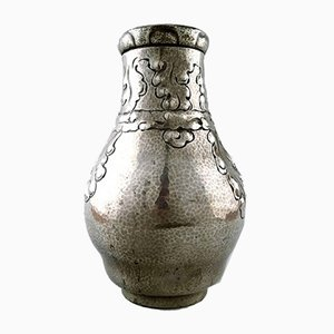 Vaso vintage Art Nouveau in stagno martellato e peltro di Arendal