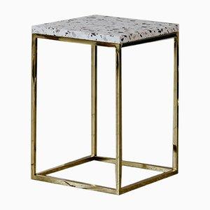 Solo Terrazzo Säulentisch aus Messing von Un'common