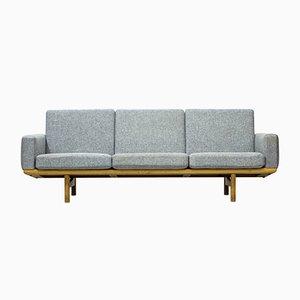 Dänisches GE236 Sofa aus Holz & Wolle von Hans J. Wegner für Getama, 1950er