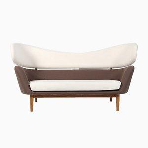 Dänisches Sofa aus Wolle & Nussholz von Finn Juhl für One Collection, 1988
