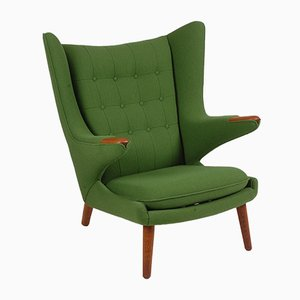 Sillón Papa Bear danés de tela y teca de Hans J. Wegner para AP Furniture, años 50
