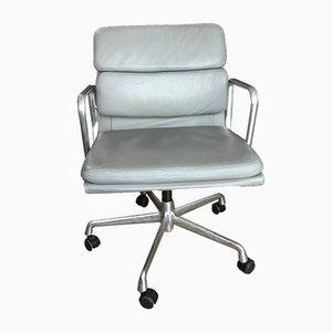 Chaise de Bureau EA 208 en Cuir par Charles & Ray Eames pour Vitra, 1990s