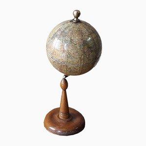 Kleiner antiker Globus