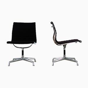 Vintage EA 107 Schreibtischstühle von Charles & Ray Eames für Herman Miller, 2er Set