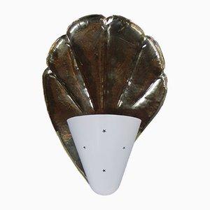 Aplique italiano Mid-Century de aluminio y latón en forma de concha, años 50