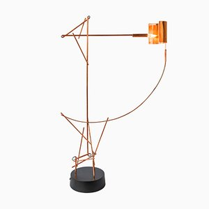 Lámpara de mesa Tinkeringlamps de cobre de Kiki Van Eijk & Joost Van Bleiswijk