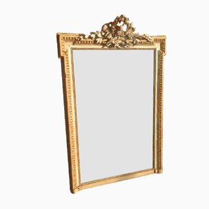 Großer antiker Spiegel aus geschnitztem Holz