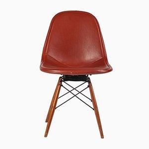 Silla de escritorio de cuero y metal de Charles & Ray Eames para Herman Miller, años 50