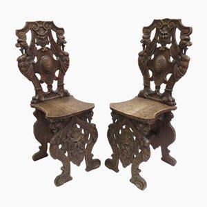 Chaises d'Entrée Antiques en Noyer Sculpté, Italie, Set de 2
