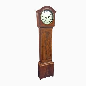 Reloj de caja alta antiguo de caoba