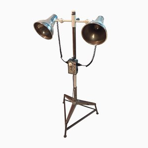Lámpara de pie industrial de hierro fundido y aluminio de Photax England para Photax England, años 60