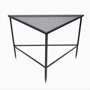 Tavolino triangolare vintage di Mathieu Matégot, anni '50