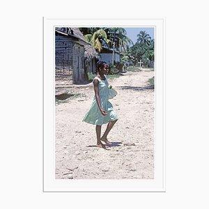 Village Girl Druck von Alain Le Garsmeur