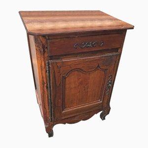 Antiker französischer Schrank aus Nussholz im Louis XV Stil