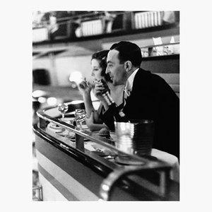 Póster Dining Out de Kurt Hutton
