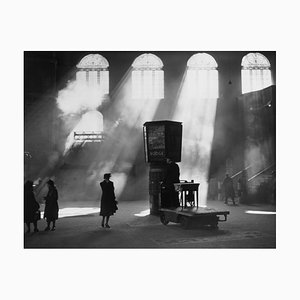 Station Sunlight Grafikdruck von Harry Todd