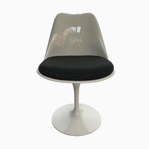 Silla de comedor Tulip de fibra de vidrio de Eero Saarinen para Knoll Inc., años 80