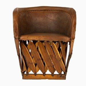 Sillones de cuero y madera, años 50. Juego de 2