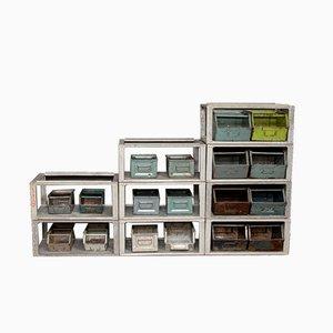 Unità di mensole industriale in metallo con scatole, anni '70