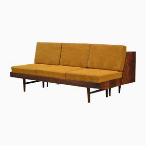 Sofá cama vintage de Mier Tapolčany, años 70