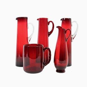 Schwedische Krüge aus rotem Glas von Monica Bratt für Reijmyre Glasbruk, 1950er, 5er Set