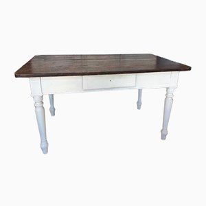 Antiker Esstisch aus Lärchenholz