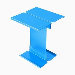 Mesa auxiliar escultural modelo FIve de metal azul de Adolfo Abejon