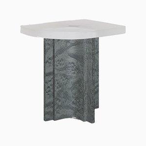 Tavolino Fossil in resina ed impiallacciatura in olmo di Daniel Nikolovski & Danu Chirinciuc per KABINET, 2019