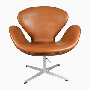 Cognac Leather Swan Chair by Arne Jacobsen for Fritz Hansen, 1960s