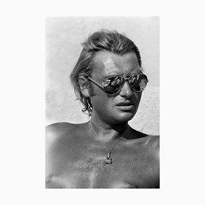 Johnny Hallyday. Bain de soleil à Saint Tropez. 9 Aout 1977. Photograph by Francis Apesteguy, 2016