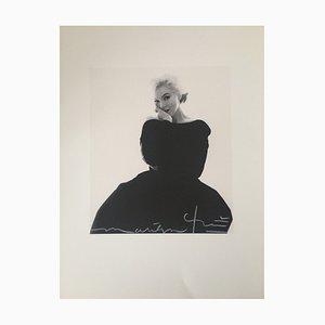 Fotografie von Marilyn Monroe in schwarzem Kleid von Bert Stern, 2011