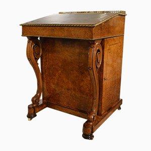Mesa Davenport victoriana de madera nudosa de nogal, madera real y ormolu, década de 1870