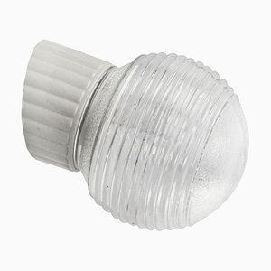 Vintage Wandlampe aus weißem Porzellan & gestreiftem Glas