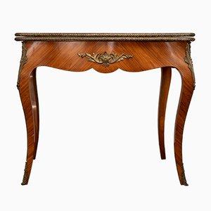 Mesa de juegos estilo Louis XV francesa antigua de bronce, cuero y peral