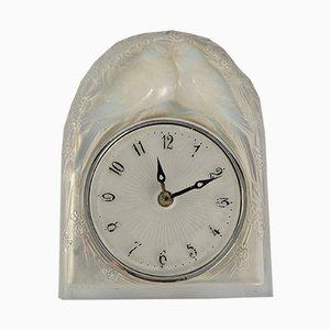 Reloj de péndulo francés Art Déco con figuras de palomas de René Lalique, 1926