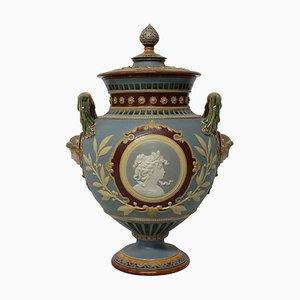 Urna alemana neoclásica de mayólica de Hein, década de 1890