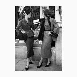 Stampa Suits by Balmain di Kurt Hutton