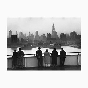 New York Dawn Print by Kurt Hutton