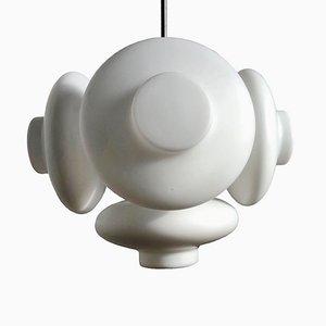 Lámpara de araña Mid-Century moderna de vidrio lechoso de Napako, años 60