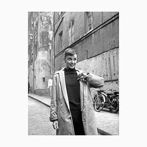 Stampa Hepburn in Paris di Pictorial Press