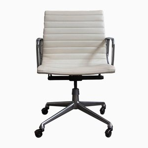 EA117 White Vinyl Swivel Chair by Charles & Ray Eames for Herman Miller, 1958