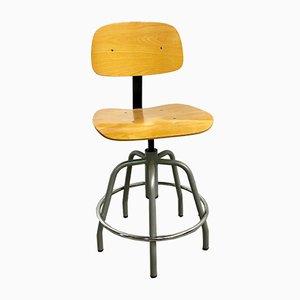 Silla de escritorio industrial de hierro y madera, años 50