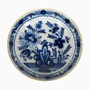 Plato holandés de porcelana Delft, siglo XVIII