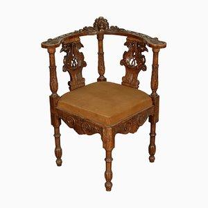 Antiker italienischer Armlehnstuhl aus Nussholz im Stil der Renaissance, 1900er