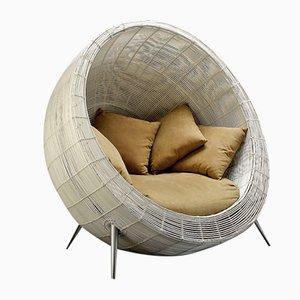 Weißer Outdoor Champion Sessel mit sandfarbenem Kissen von VGnewtrend