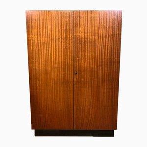 Mid-Century Wäscheschrank aus Holz, 1960er