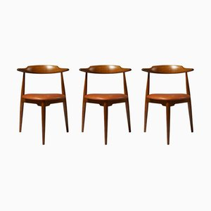 Danish Leather and Oak Heart Side Chairs by Hans Wegner for Fritz Hansen, 1952, Set of 3